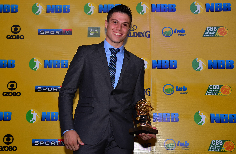 Davi Rossetto foi o vencedor do prêmio de Jogador Que Mais Evoluiu do NBB 7 (João Pires/LNB)