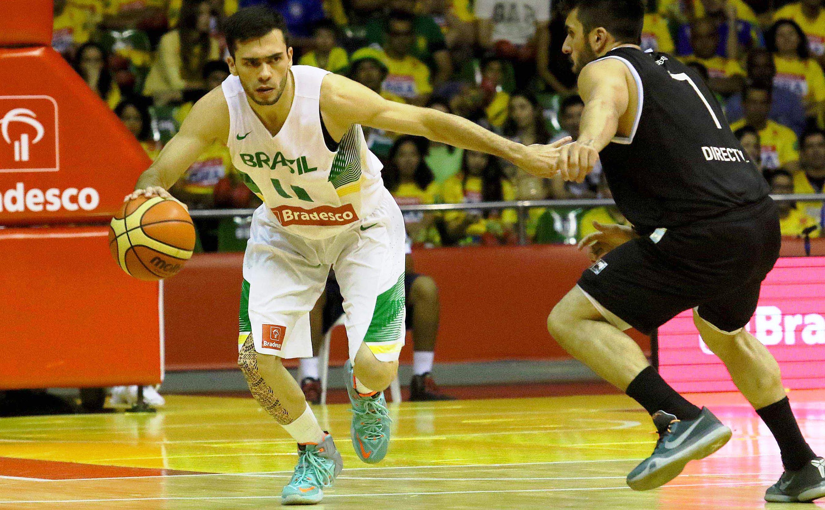 Jovem armador Deryk, do Limeira, é um dos selecionados pelo técnico Rubén Magnano (Gaspar Nobrega/FIBA Américas)