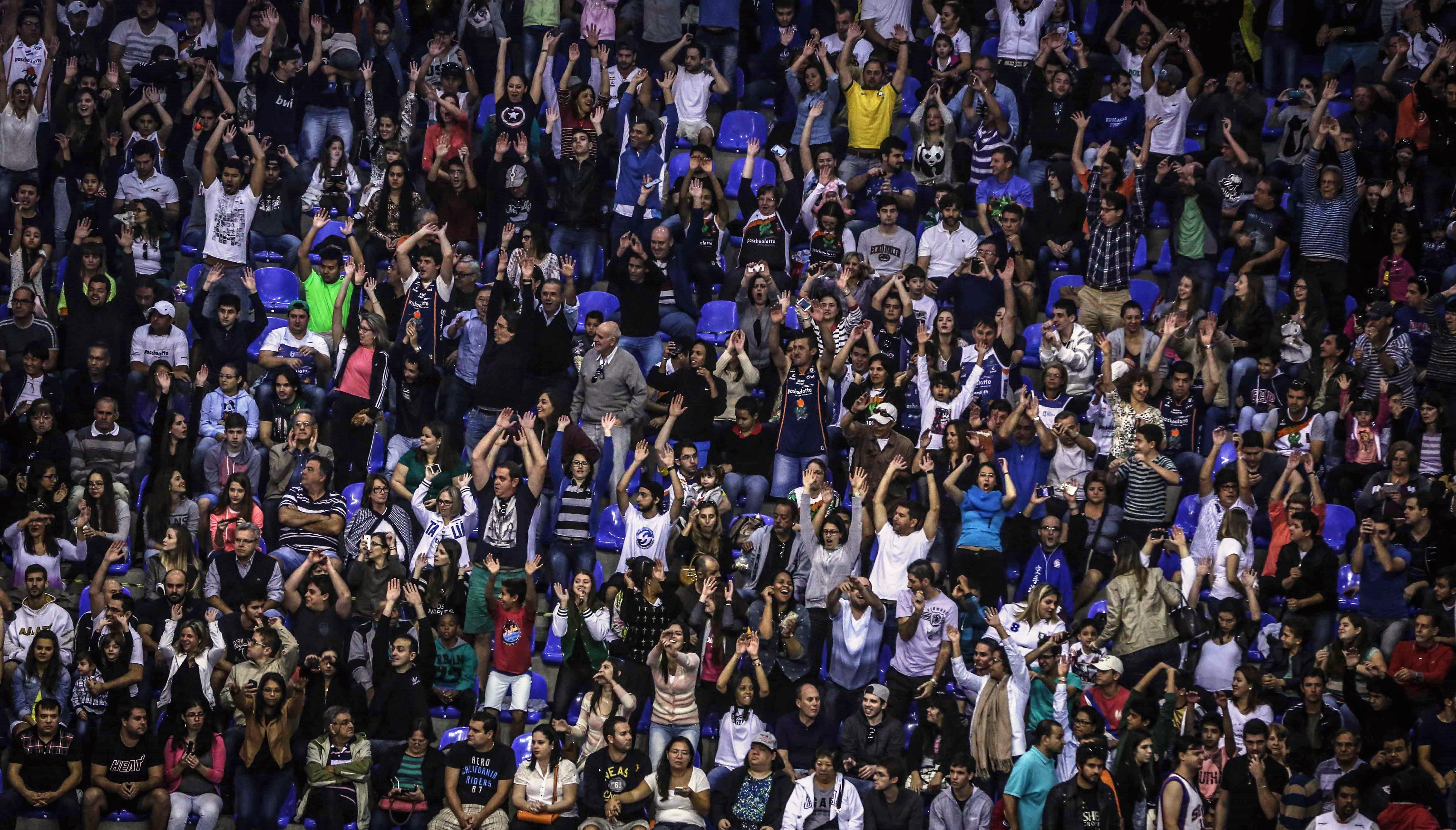 Torcida bauruense terá a chance de acompanhar de perto a equipe na luta pelo título mundial (João Pires/LNB)
