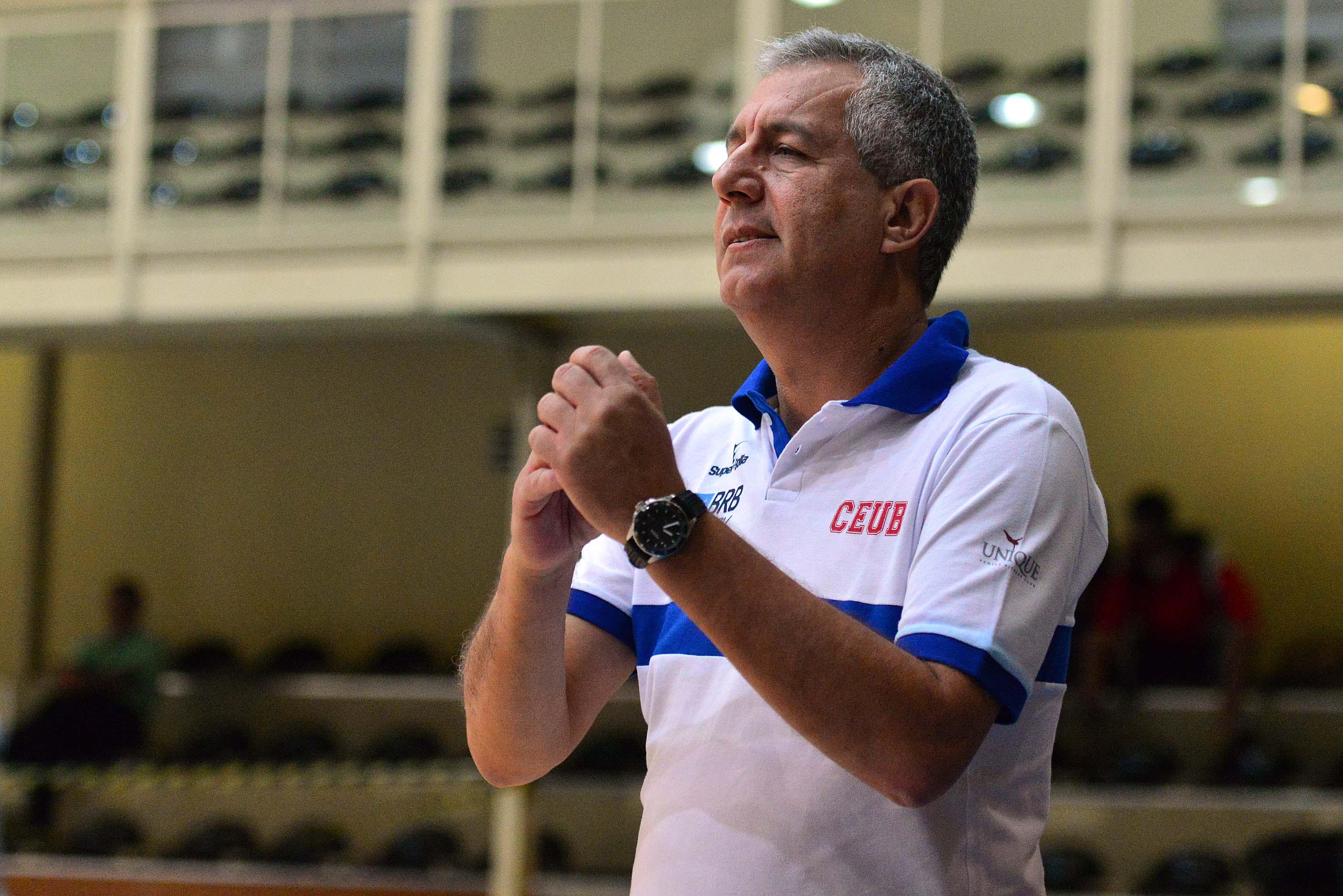 Mesmo com o revés, Brasília, do técnico Ronaldo Pacheco, segue no grupo dos 8 primeiros colocados (João Pires/LNB)