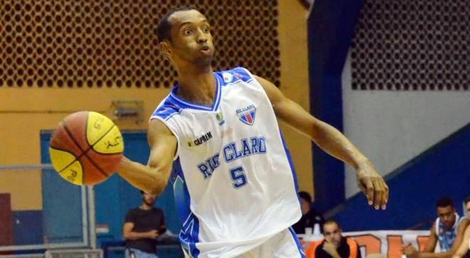 Rio Claro, do cestinha Tatu, segue com seu grande momento no Paulista (Caio Casagrande/Bauru Basket)
