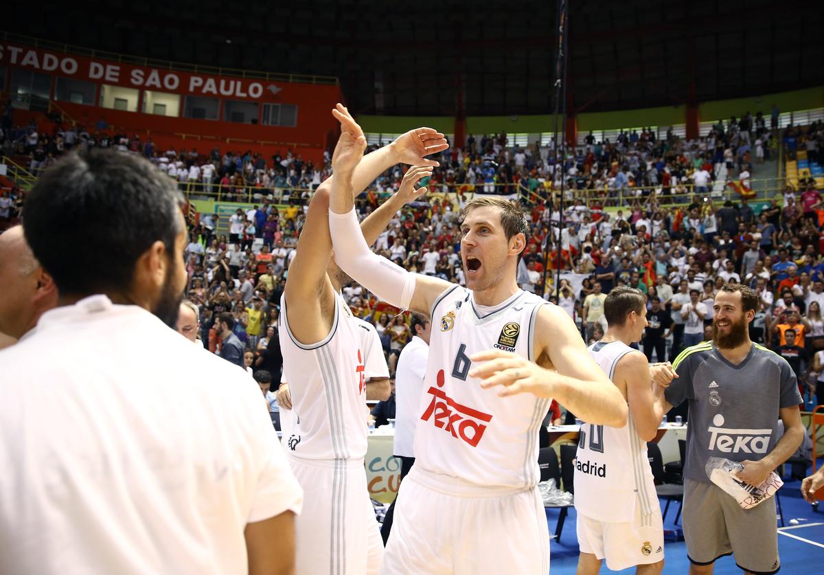 Real Madrid, do craque argentino Andrés Nocioni, venceu seu 5º título mundial na história (José Jimenez Tirado/FIBA)