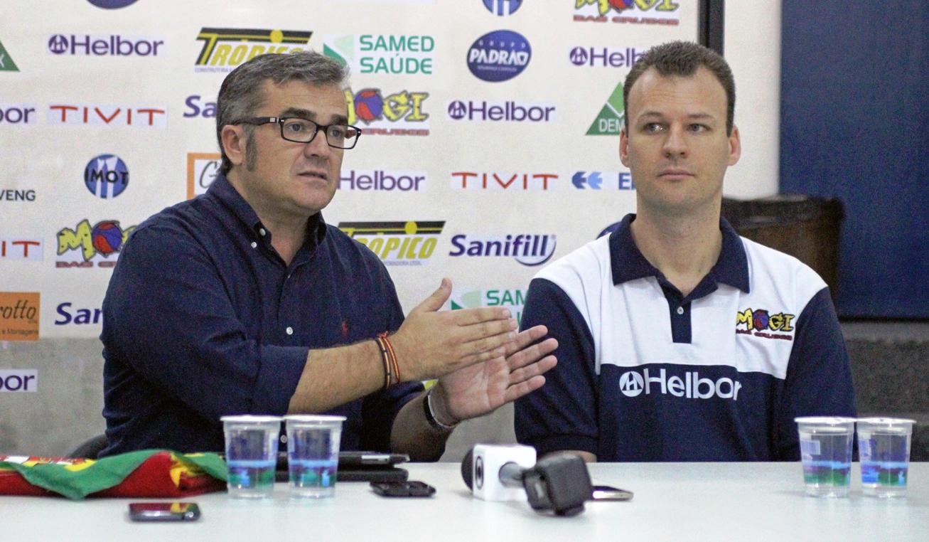 Passou o bastão: Paco deixou o Mogi e Padovani foi efetivado como técnico (Antonio Penedo/Mogi-Helbor)