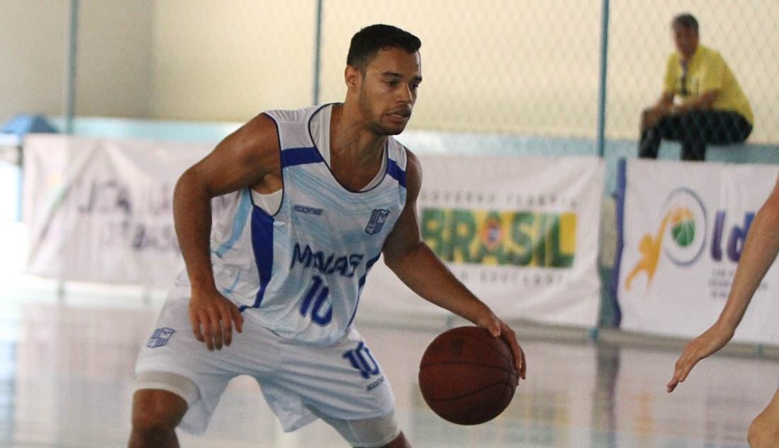 Em duelo marcado pelo alto nível das equipes, Coelho fez a diferença e o Minas bateu o rival Pinheiros (Thiago Parmalat/LNB)