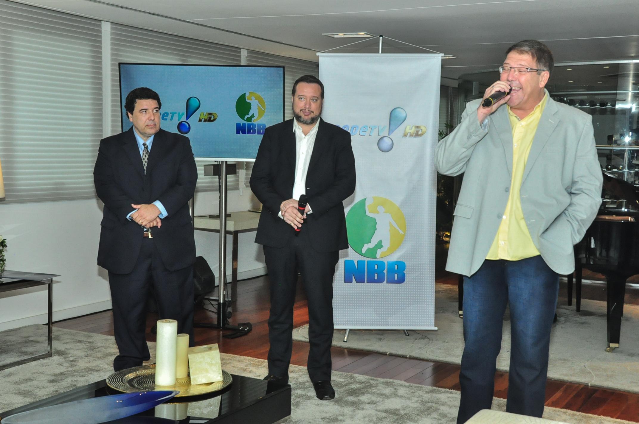 Luciano Facciolli é o apresentador da Super Faixa do Esporte da RedeTV! (Fernando Simão/Divugação)