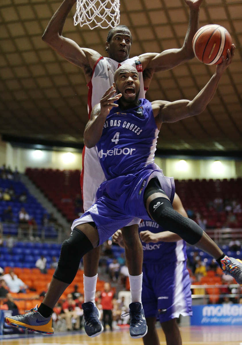 Com 5 bolas de 3 pontos, Larry foi um dos destaques do Mogi, com 19 pontos (Jose Jimenez Tirado/FIBA Americas)