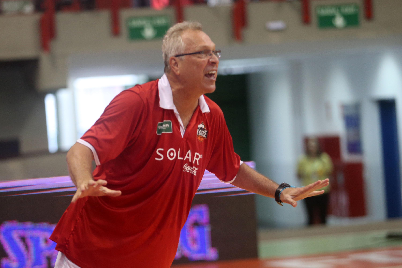 Alberto Bial, técnico do Basquete Cearense