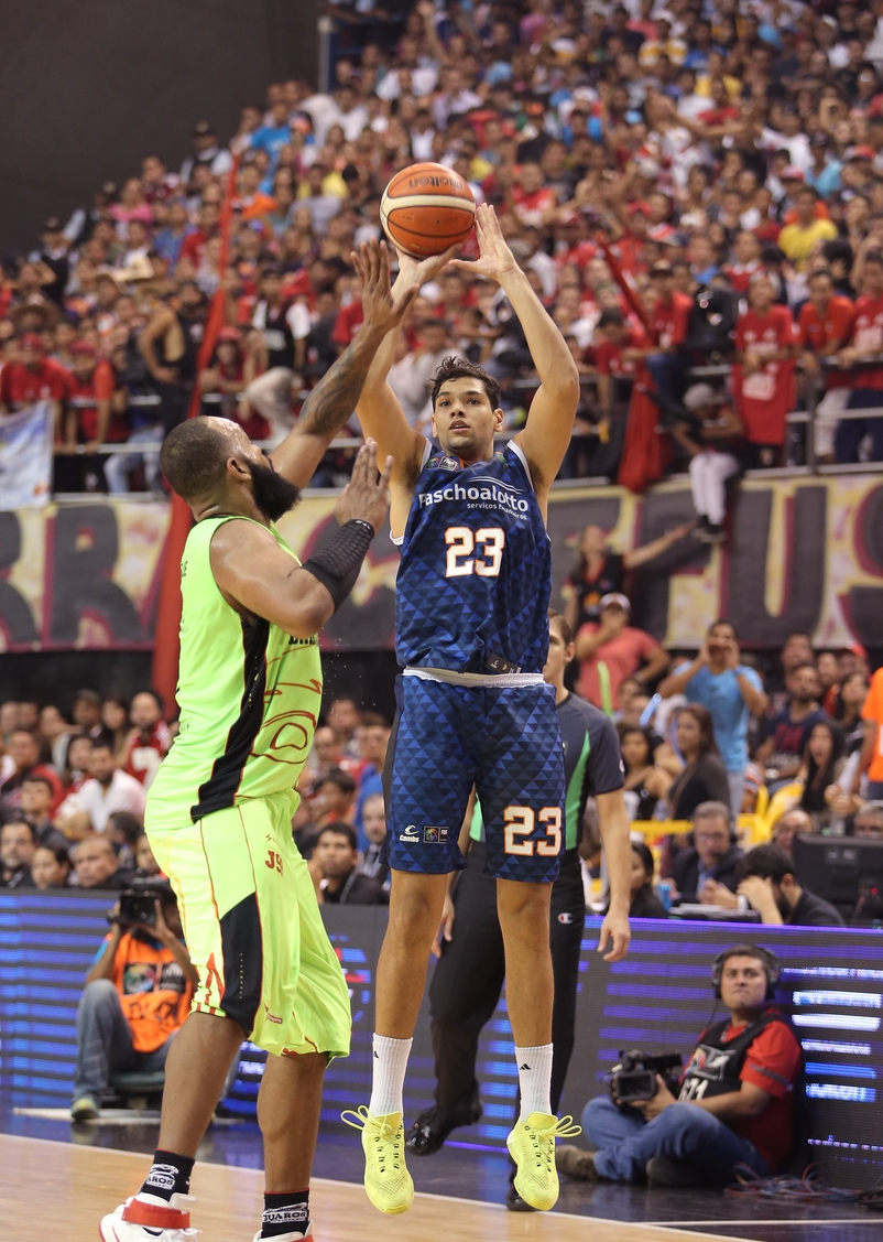 Bauru chegou a liderar o confronto durante o primeiro tempo (José Jimenez Tirado/FIBA Américas)