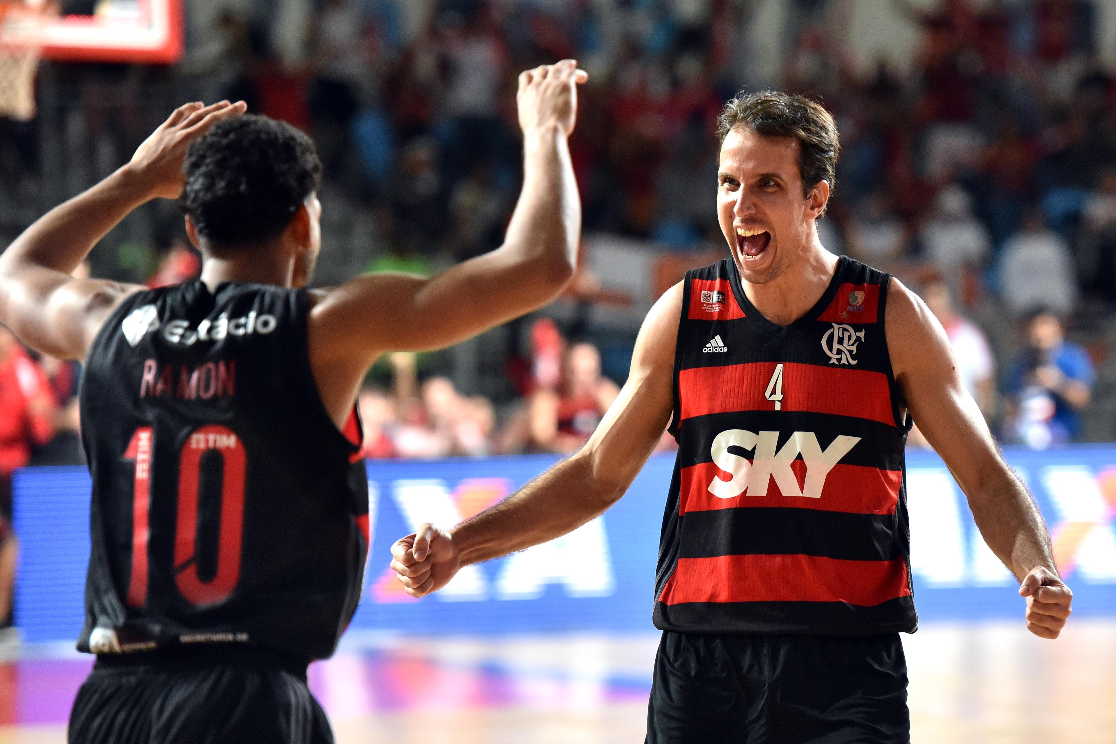 Marcelinho e Ramon, do Flamengo