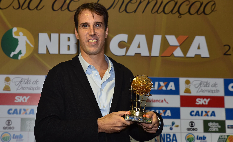 Dono de diversos troféus do NBB CAIXA, Marcelinho ficou com o prêmio de Melhor Sexto Homem nesta temporada (João Pires/LNB)