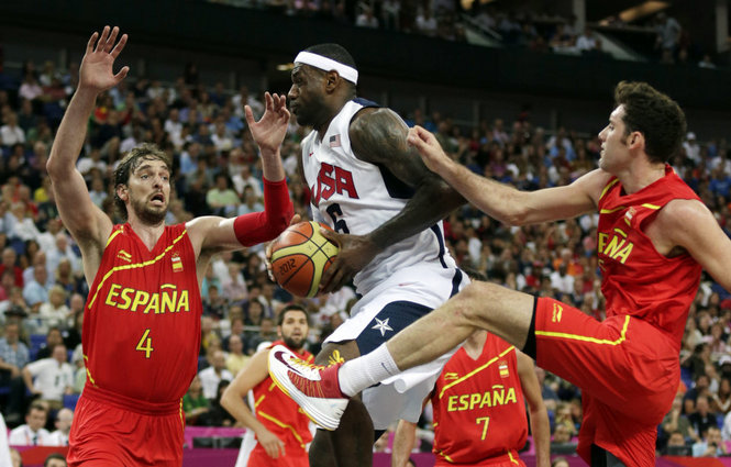 Agora na semi: Estados Unidos e Espanha decidiram a medalha de ouro nos dois últimos Jogos Olímpicos (FIBA/Divulgação)