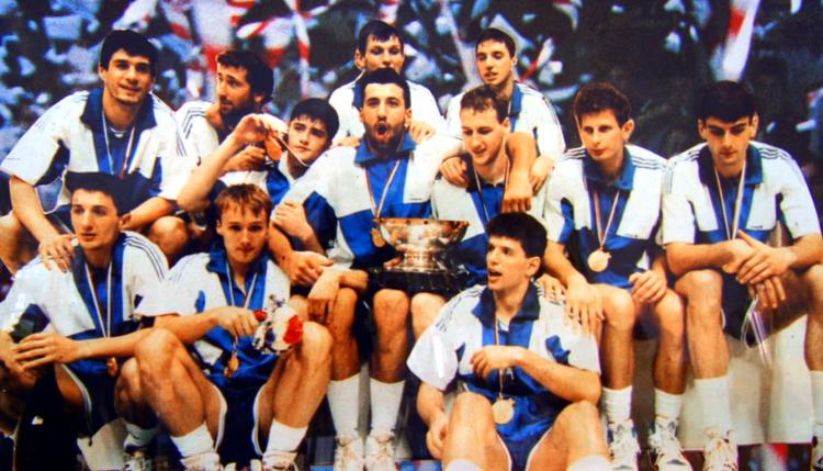 Extinta Iugoslávia foi campeã mundial em 1990, contando com croatas e sérvios em seu elenco (Reprodução)