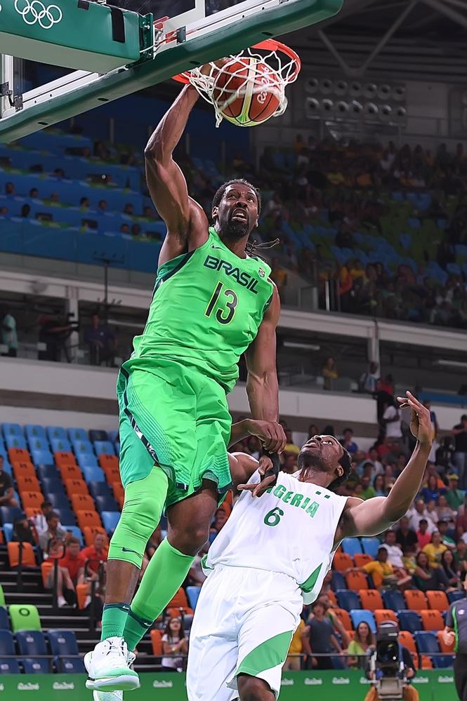 Dominante no garrafão, Nenê foi o cestinha da partida (FIBA/Divulgação)