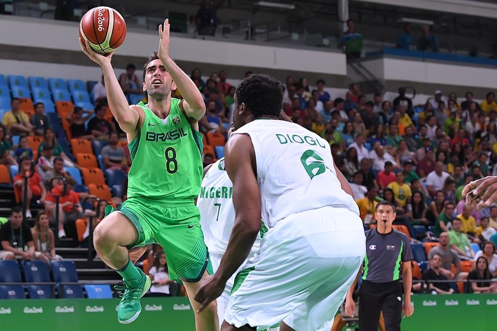 Benite voltou a aparecer bem e foi personagem importante na vitória brasileira (FIBA/Divulgação)