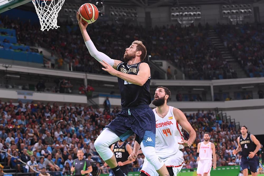 Destaque contra o Brasil, Nocioni pouco produziu diante da Espanha (FIBA/Divulgação)