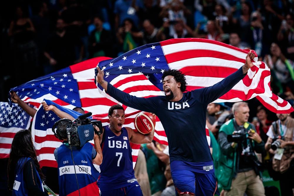 Rotina olímpica: Estados Unidos conquistaram medalha de ouro pela 3ª vez seguida e a 15ª na história (FIBA/Divulgação)