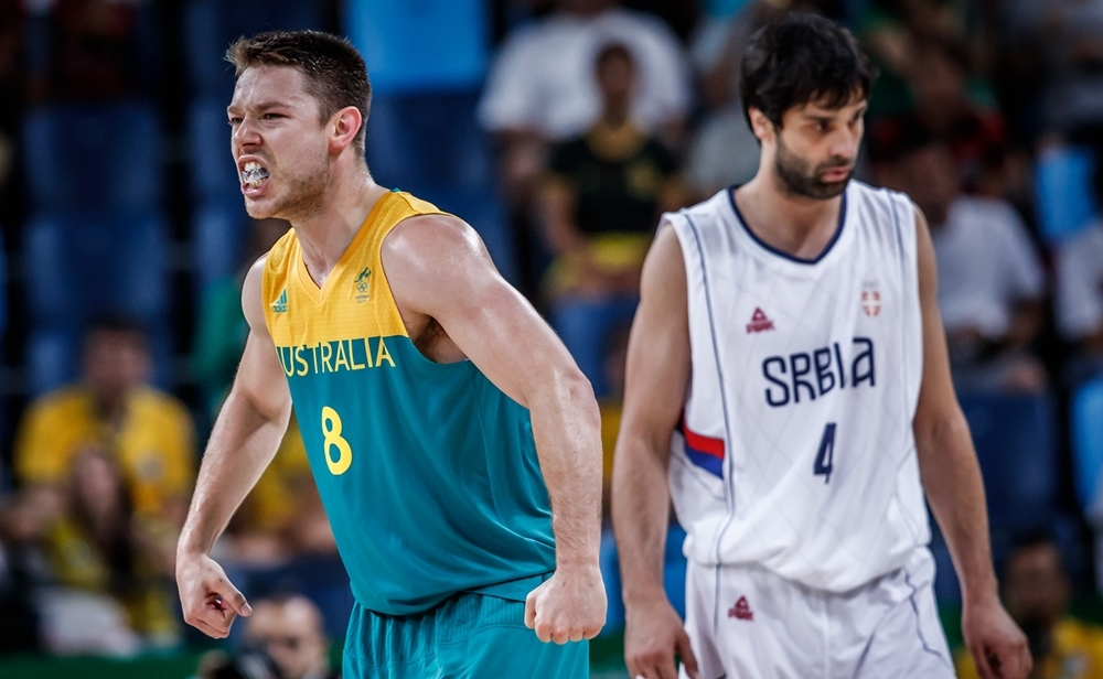 Na primeira fase, Austrália, de Dellavedova, bateu a Sérvia, de Teodosic (FIBA/Divulgação)