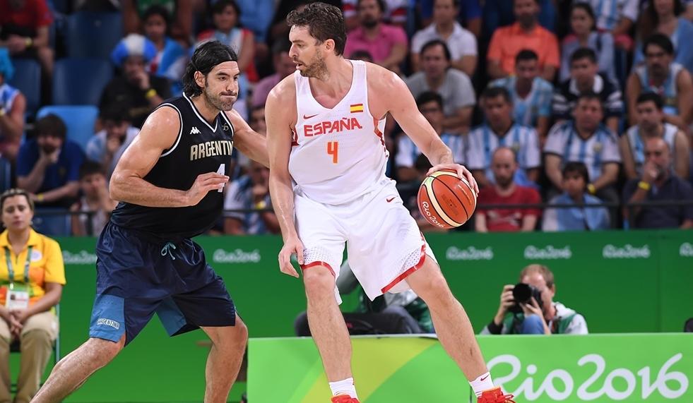 Espanha, do pivô Pau Gasol, avançou às quartas de final e eliminou o Brasil da disputa (FIBA/Divulgação)