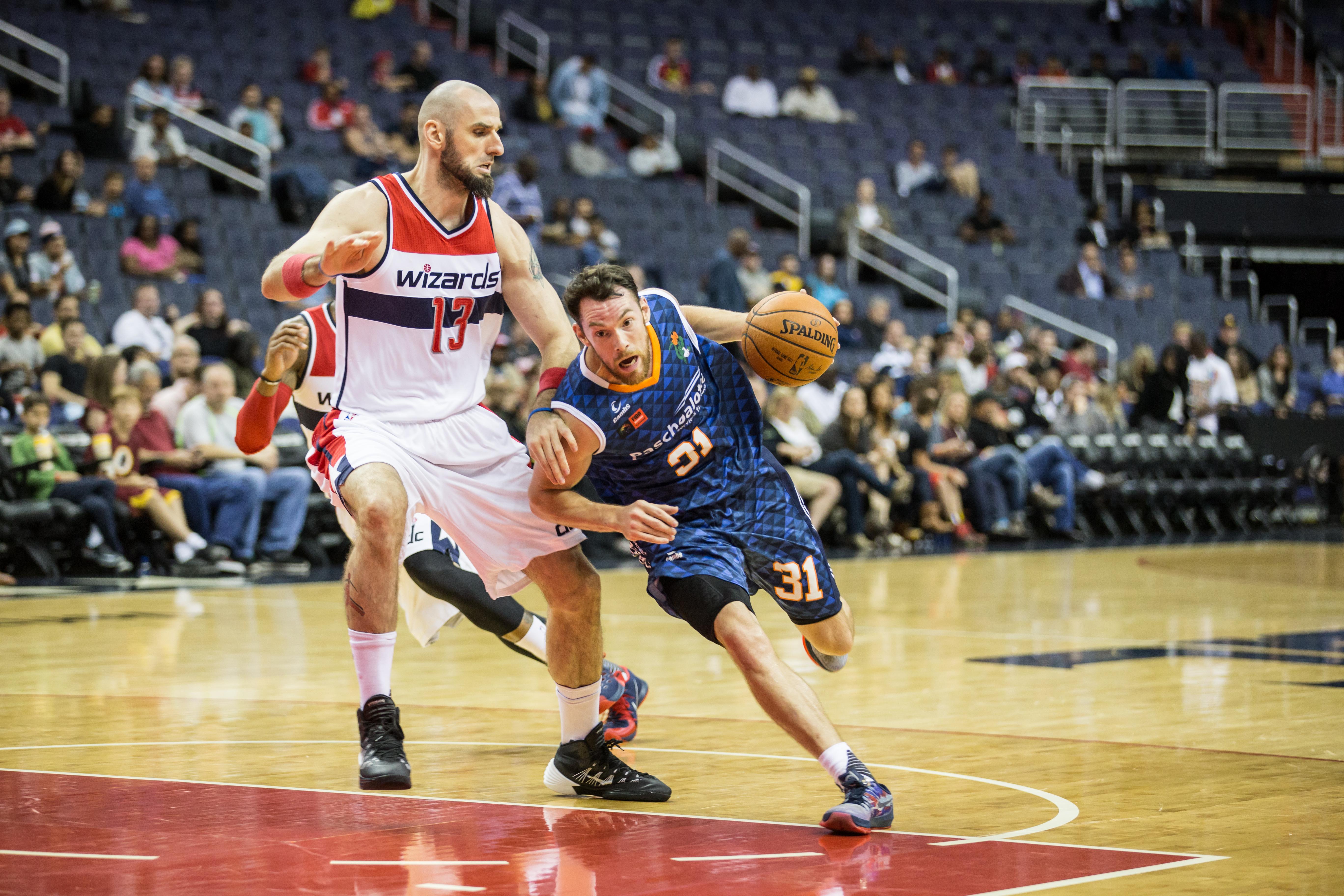 Com 17 pontos contra o Wizards, Day se firmou como cestinha do Bauru na NBA