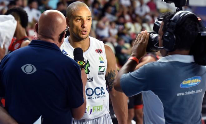 Partida entre Bauru e Flamengo marcou a primeira transmissão do NBB CAIXA na TV Bandeirantes (João Pires/LNB)
