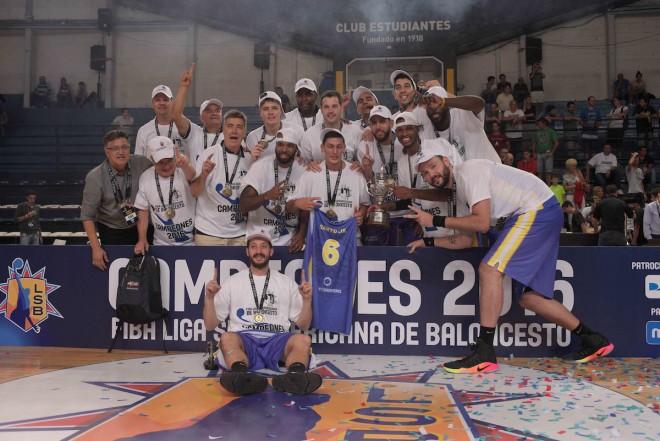 Comemoração Mogi, campeão da Liga Sul-Americana 2016