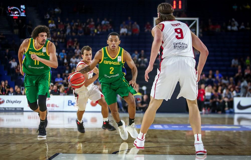 Yago-pela-Seleção-Brasileira-nas-Eliminatórias-contra-o-Canadá-de-Olynyk-e-Pangos